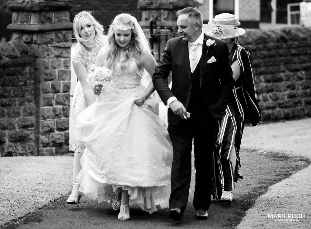 037 - Lucy and Tim - fineART wedding photography featuring the Goosedale Conference and Banqueting venue NG6 8UJ by www.markpugh.com Mark Pugh of www.mpmedia.co.uk_.JPG