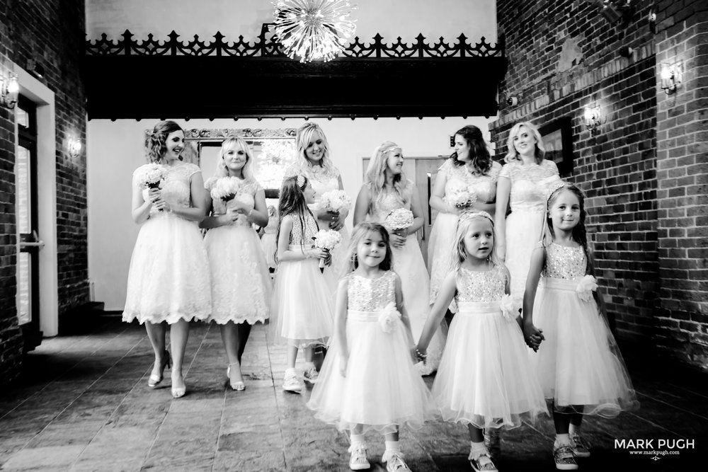 084 - Lucy and Tim - fineART wedding photography featuring the Goosedale Conference and Banqueting venue NG6 8UJ by www.markpugh.com Mark Pugh of www.mpmedia.co.uk_.JPG