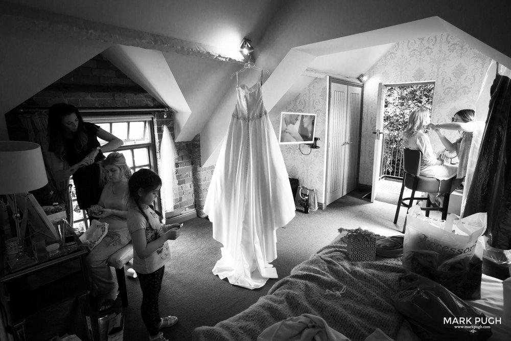 013 - Rachel and Ben - fineART wedding photography featuring the Chequers inn Woolsthorpe NG32 1LU by www.markpugh.com Mark Pugh of www.mpmedia.co.uk_.JPG