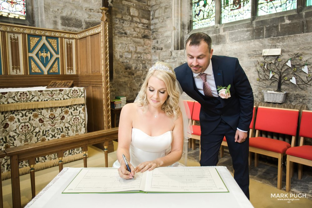063 - Rachel and Ben - fineART wedding photography featuring the Chequers inn Woolsthorpe NG32 1LU by www.markpugh.com Mark Pugh of www.mpmedia.co.uk_.JPG