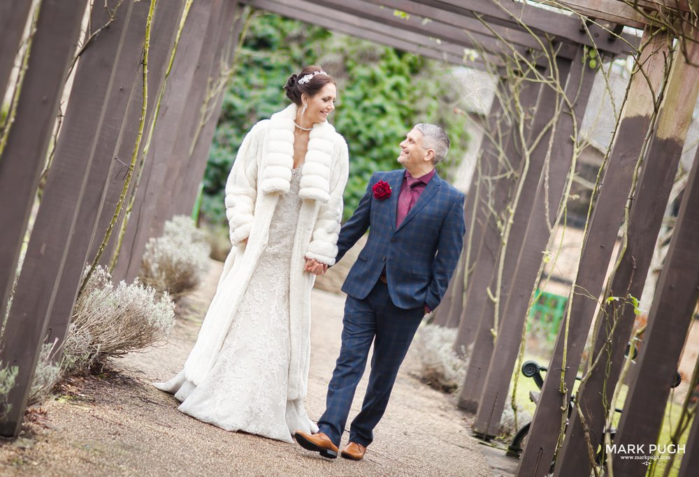 007 - Mary and Ashley - fineART wedding photography by www.markpugh.com Mark Pugh of www.mpmedia.co.uk_.JPG