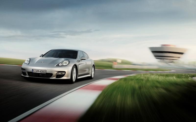 Porsche_panamera_s_1680_x_1050