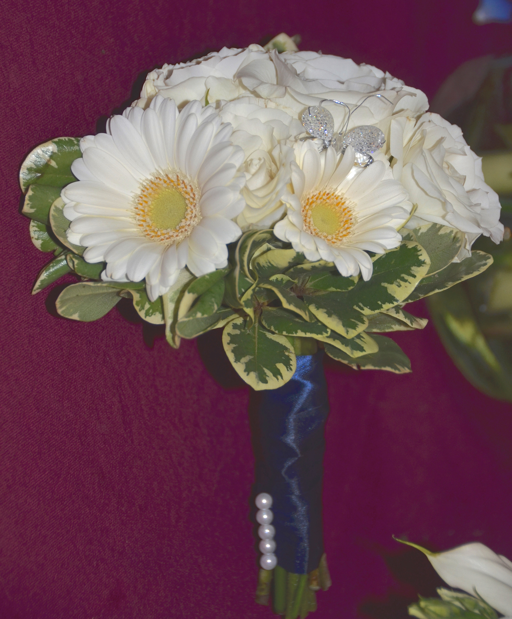 2015 wedding walsh Flower Girl bouquet.jpg
