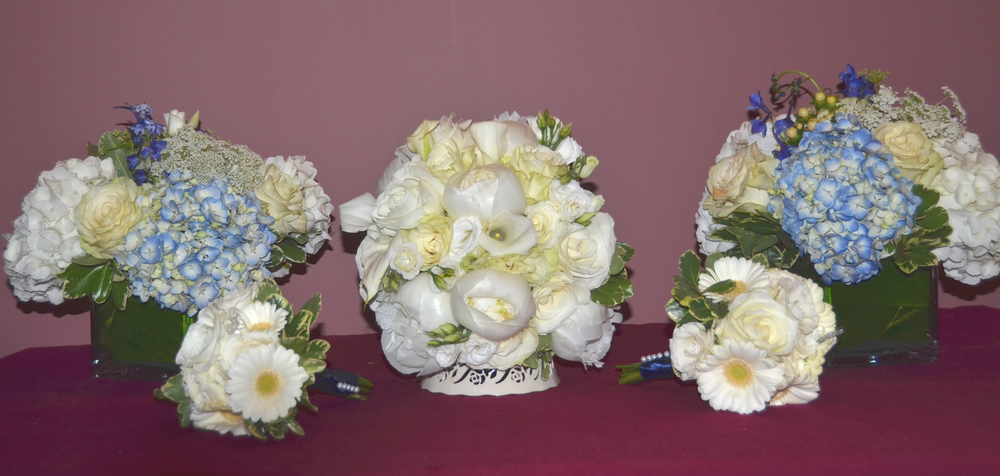 2015 wedding walsh bouquets and table.jpg