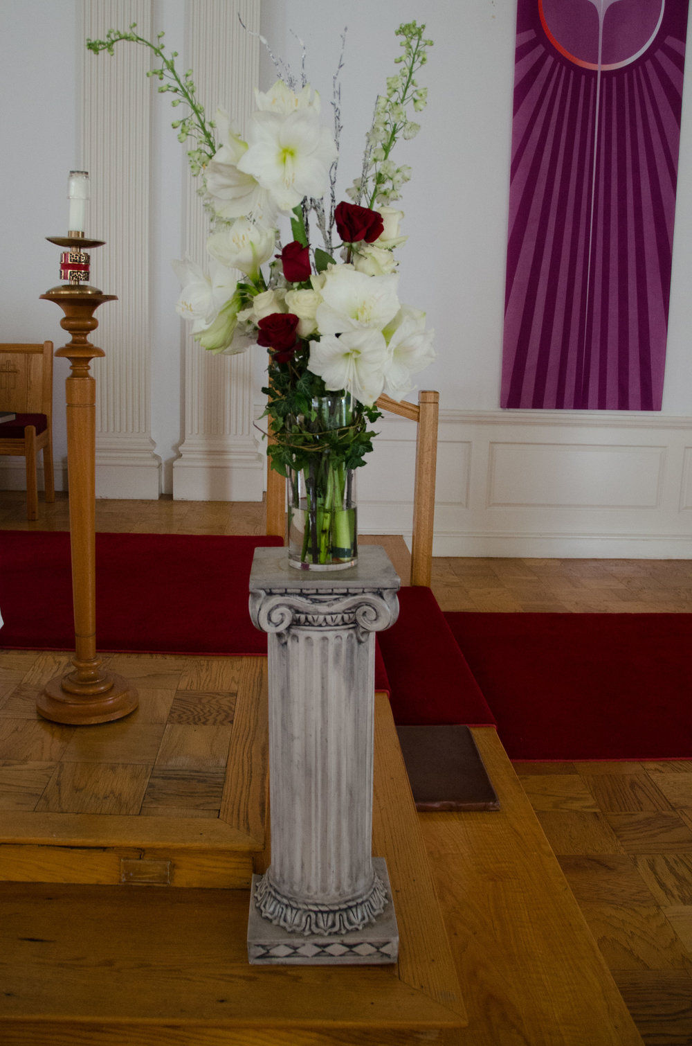 Holiday Flowers for a December Wedding -