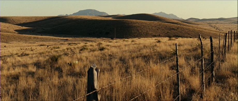 Photography from the film   No Country for Old Men   (2007), directed by Joel and Ethan Coen.     Photo: IMDB.