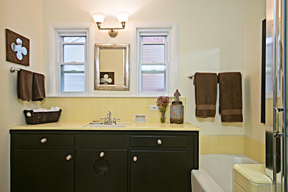 20140303-Hall Bathroom.jpg