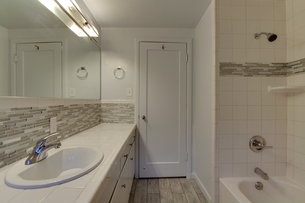 Bathroom-8425.jpg