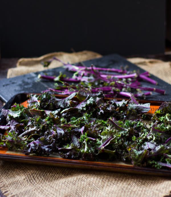 Spicy Parmesan Kale Chips l wanderingroot.com