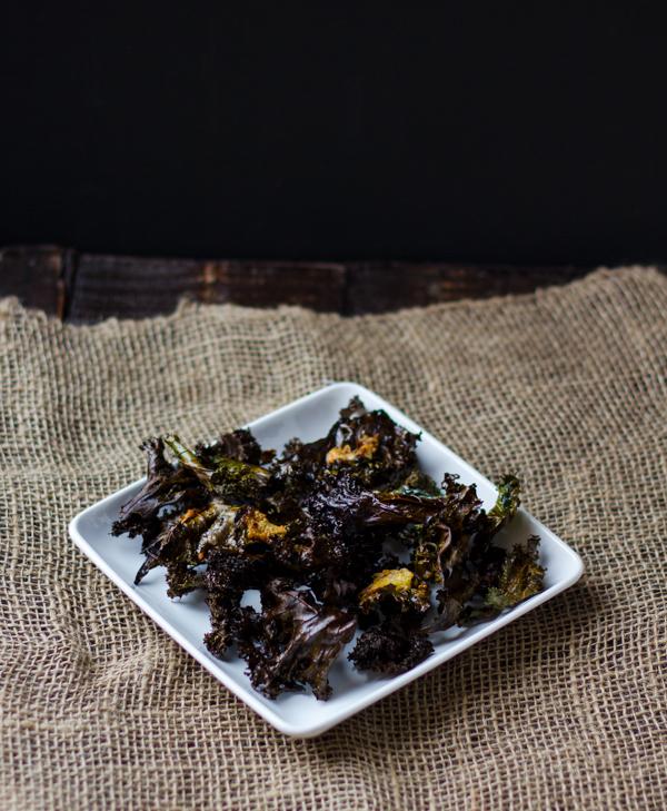 Spicy Garlic Parmesan Kale Chips l wanderingroot.com