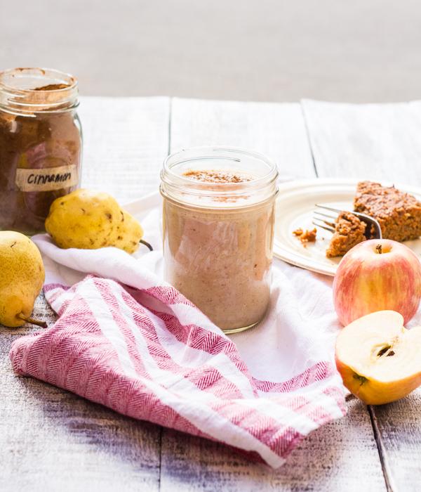 Cinnamon Apple + Pear Smoothie l wanderingroot.com