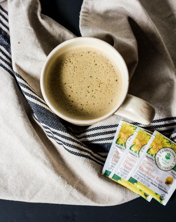 Dandelion Tea Latte l wanderingroot.com