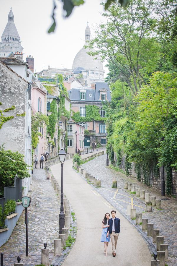 Wang_Wang_ParisPhotographerPierre_engagementmontmartre61_low.jpg