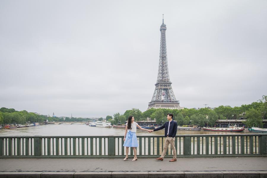 Wang_Wang_ParisPhotographerPierre_engagementmontmartre79_low.jpg
