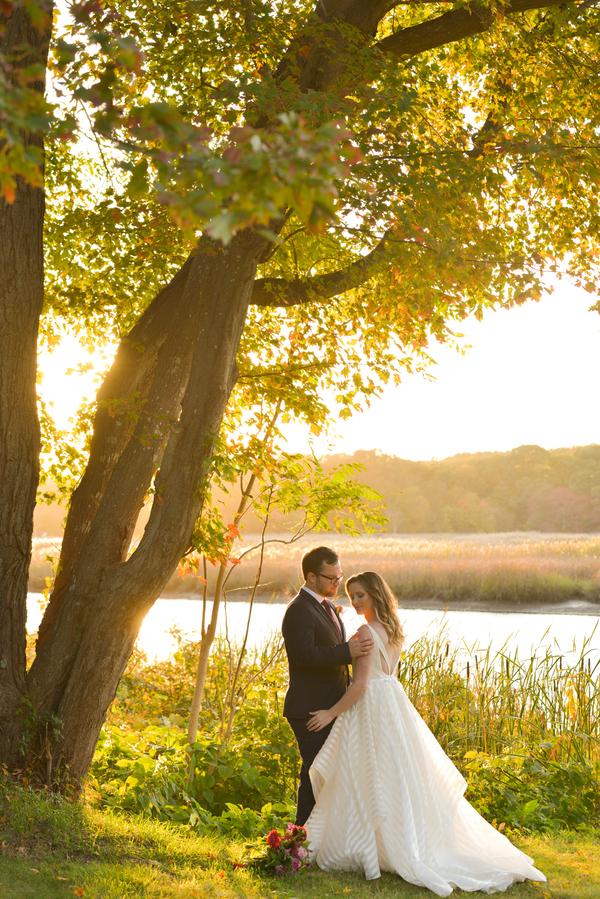 Kathryn_Heith_danifinephotographyampimagestudio_danifinephotographybeeandthistleinnconnecticutshoreweddingHeithKathryn433_low.jpg