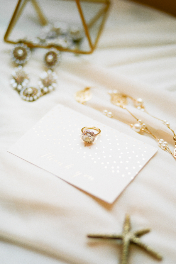 PearlHsiehPhotographyLLC_PearlHsiehcom_FrenchBridalStyle006_low.jpg