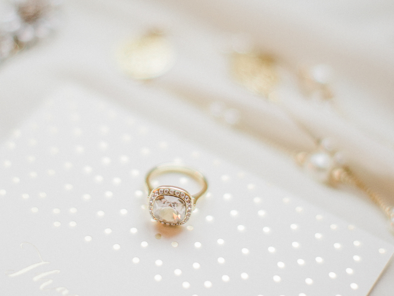 PearlHsiehPhotographyLLC_PearlHsiehcom_FrenchBridalStyle007_low.jpg