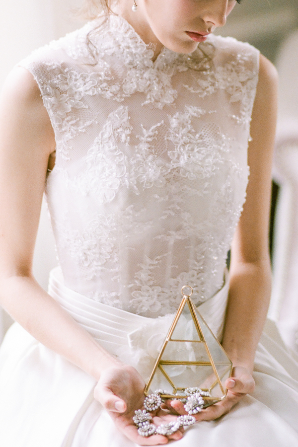 PearlHsiehPhotographyLLC_PearlHsiehcom_FrenchBridalStyle012_low.jpg
