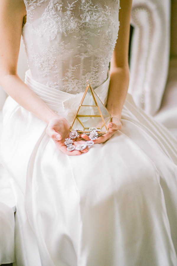 PearlHsiehPhotographyLLC_PearlHsiehcom_FrenchBridalStyle013_low.jpg