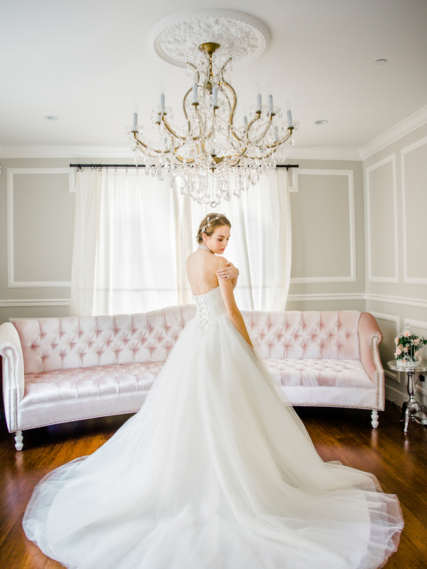 PearlHsiehPhotographyLLC_PearlHsiehcom_FrenchBridalStyle021_low.jpg