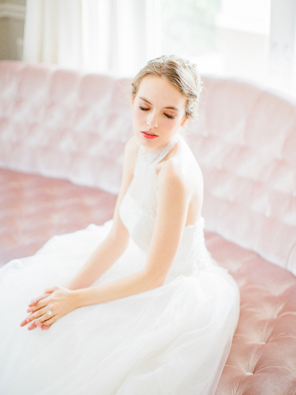 PearlHsiehPhotographyLLC_PearlHsiehcom_FrenchBridalStyle028_low.jpg