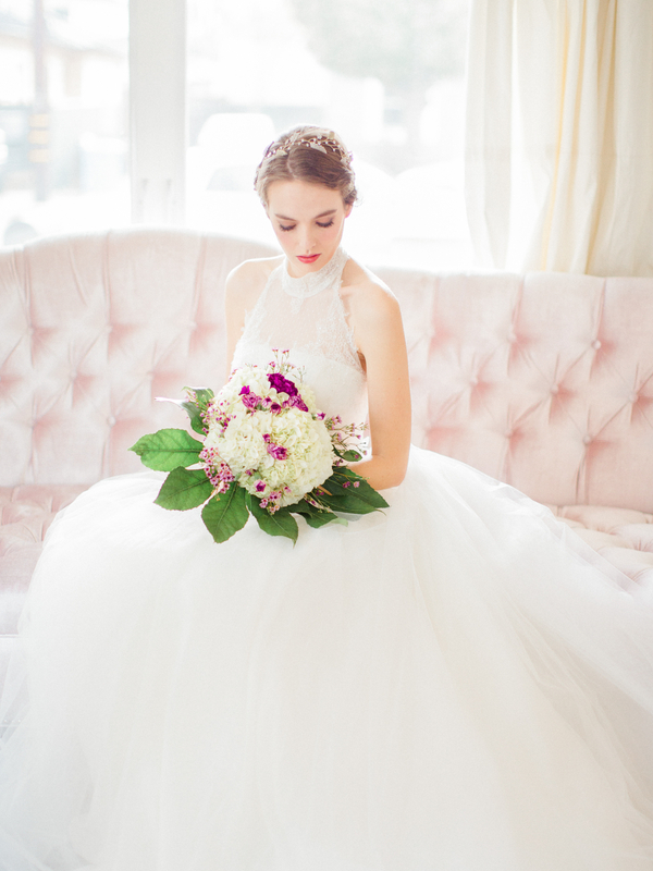 PearlHsiehPhotographyLLC_PearlHsiehcom_FrenchBridalStyle037_low.jpg