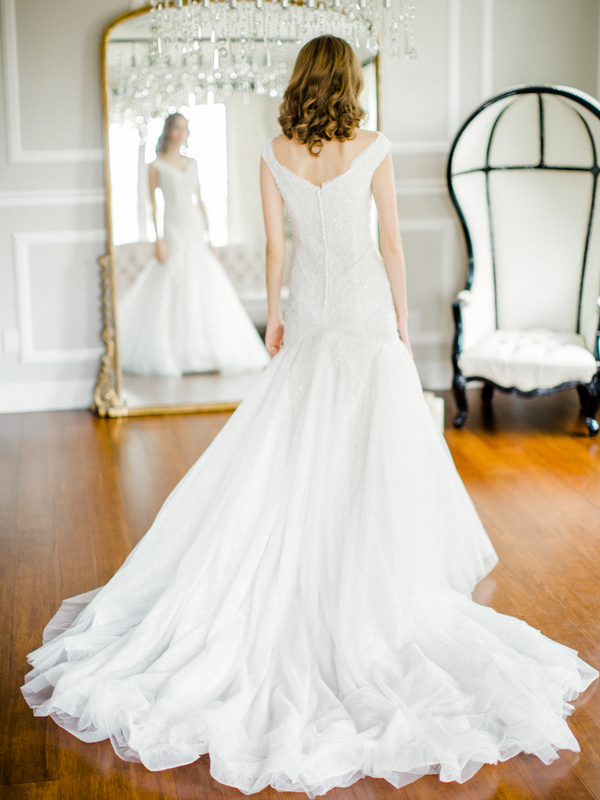 PearlHsiehPhotographyLLC_PearlHsiehcom_FrenchBridalStyle059_low.jpg