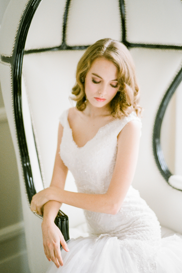 PearlHsiehPhotographyLLC_PearlHsiehcom_FrenchBridalStyle064_low.jpg