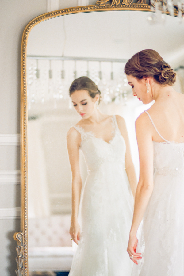 PearlHsiehPhotographyLLC_PearlHsiehcom_FrenchBridalStyle079_low.jpg