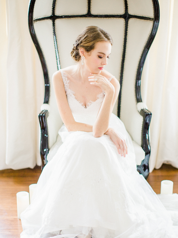 PearlHsiehPhotographyLLC_PearlHsiehcom_FrenchBridalStyle096_low.jpg