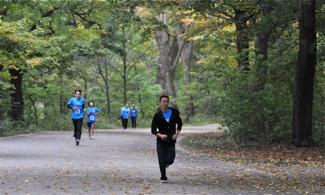 RUN_9076 runners 2012.jpg