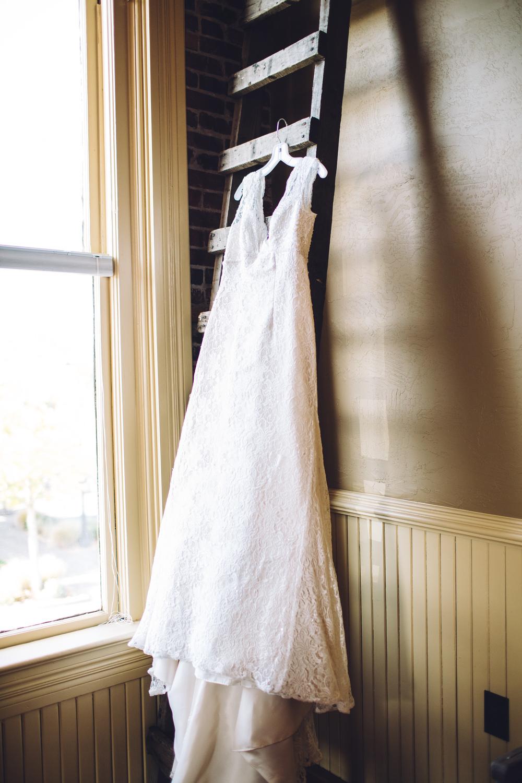 salem-oregon-lodge-fall-wedding