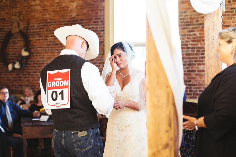 salem-oregon-lodge-fall-wedding-brooklynn-rob