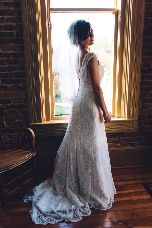salem-oregon-lodge-fall-wedding-brooklynn-rob-bridals