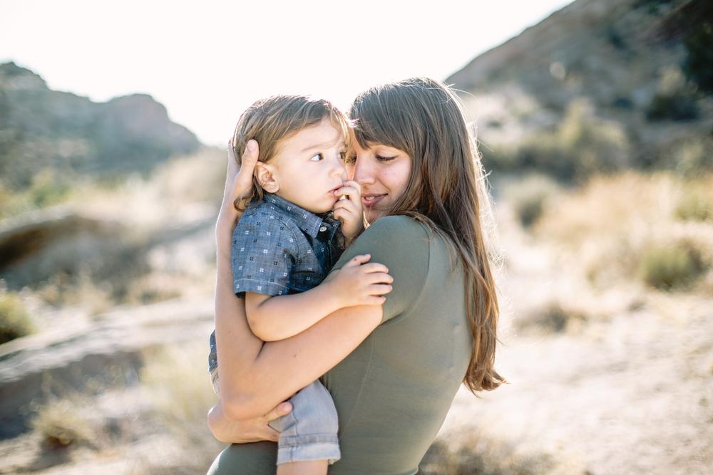vasquez-rocks-maternity-photography-lizztin-mother-son