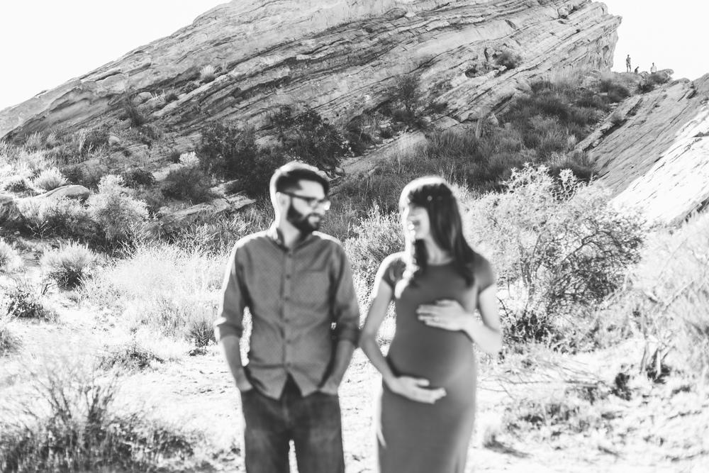 vasquez-rocks-maternity-photography-lizztin