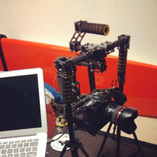 It's almost alive!!! My faux Movi!! #cameragear #stabilizerstuff #hitechlife #video #70d