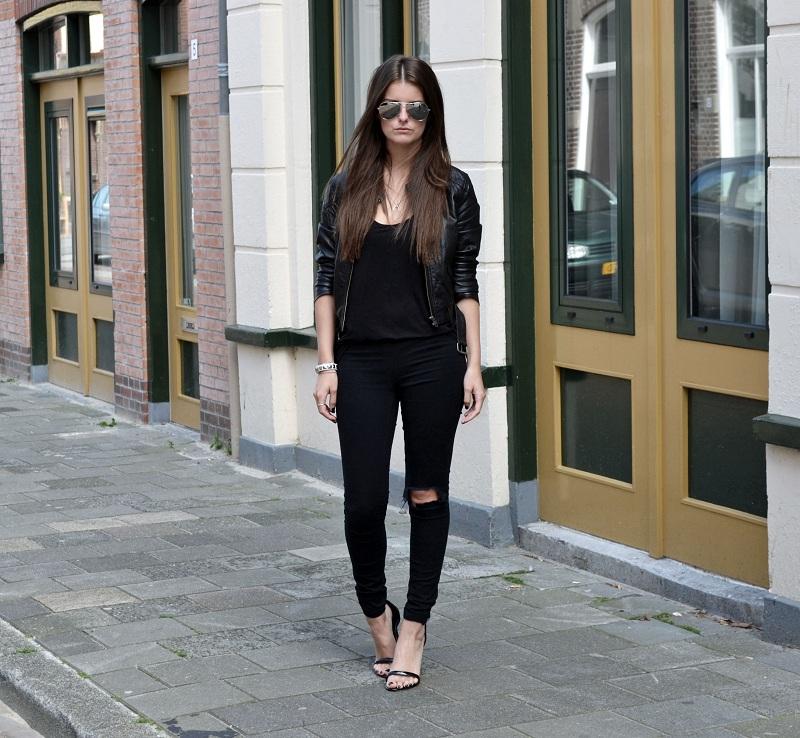 black_outfit2.jpg