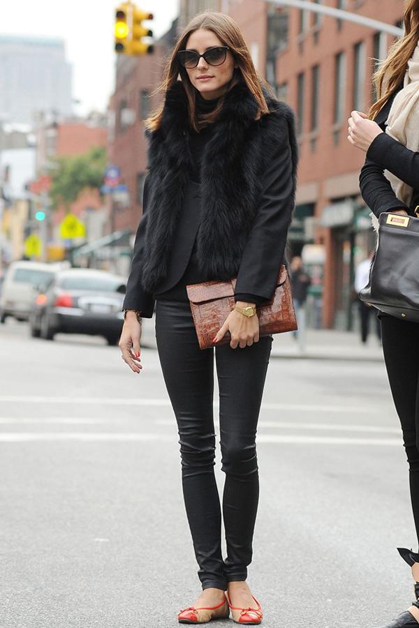 oliva-palermo-street-style-all-black-black-fur-vest.jpg