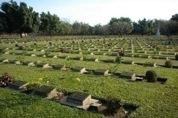 Thanbyuzayat Cemetery