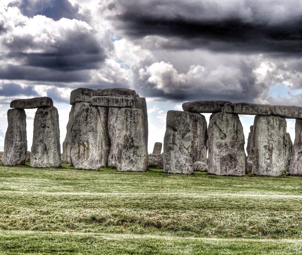 stonehenge-england-1411063317vAQ.jpg
