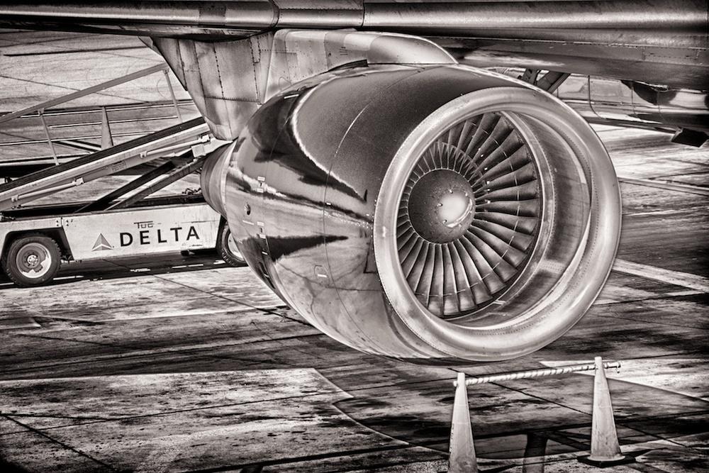 Delta Boeing 757 engine, Orange County CA.