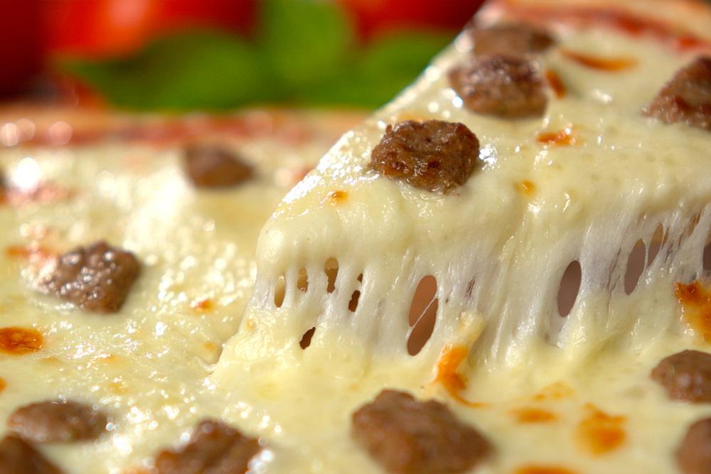 brian-wetzstein-sausage-pizza.jpg