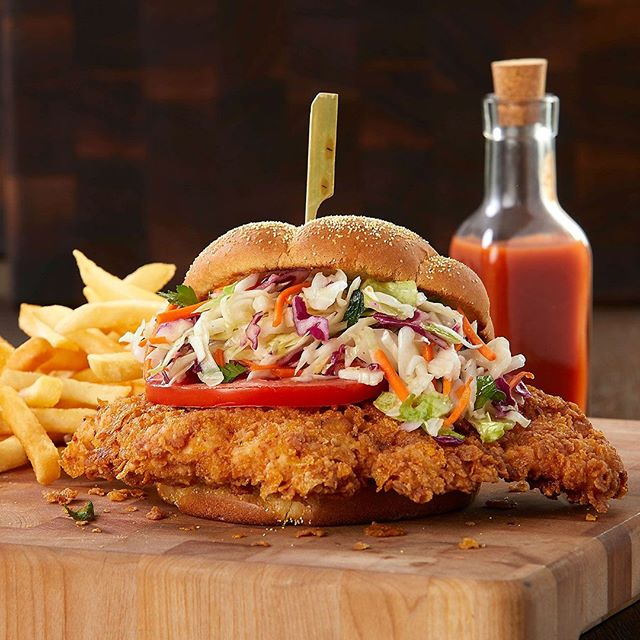 This is no small Chicken Sandwich! #brianwetzstein #itmakesmehungry #foodporn #foodphotography #chicagofood #foodgram • • • • • #foodgasm #foodphotography #foodpics #foodlover #foodblogger #foodpic #foodies #foodgram #eeeeeats #foodblog #yum #dinner #nomnom #feedfeed #sandwich #chicken #chicagofood #chicagofoodauthority #foodspotting #foodforfoodies #igfood #chicagofoodie #sandwiches