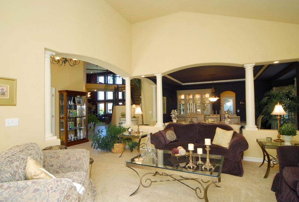 4_Living Room 2-1.jpg