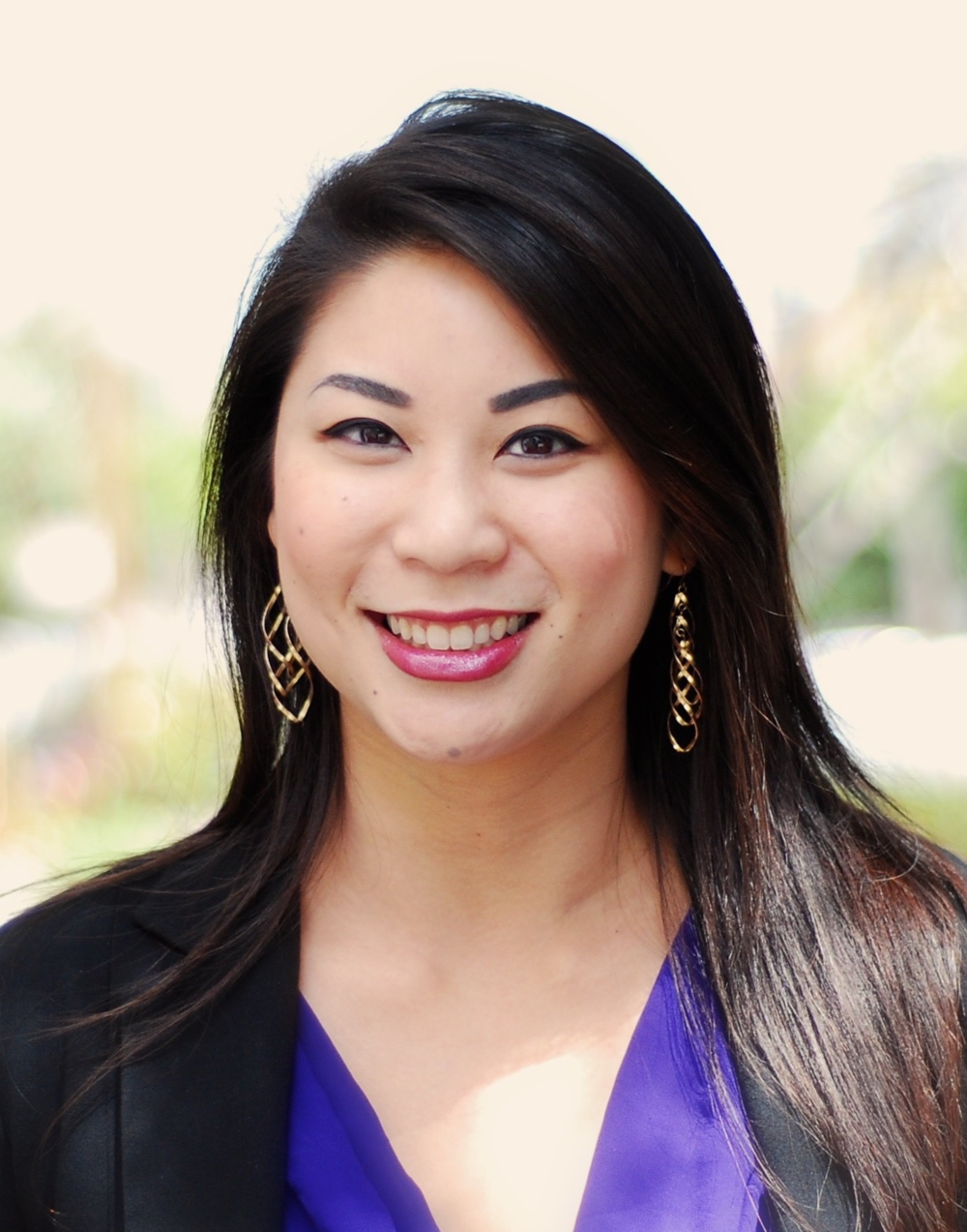 Amy Zhen   Executive Assistant