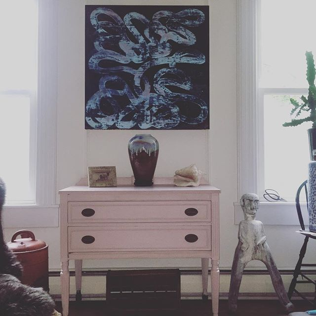I Just painted this #sideboard with #anniesloanchalkpaint #antoinette color love how it picks up the subtle notes of pink in the painting above #pauljeanes #artist #professor #MICA 🎨