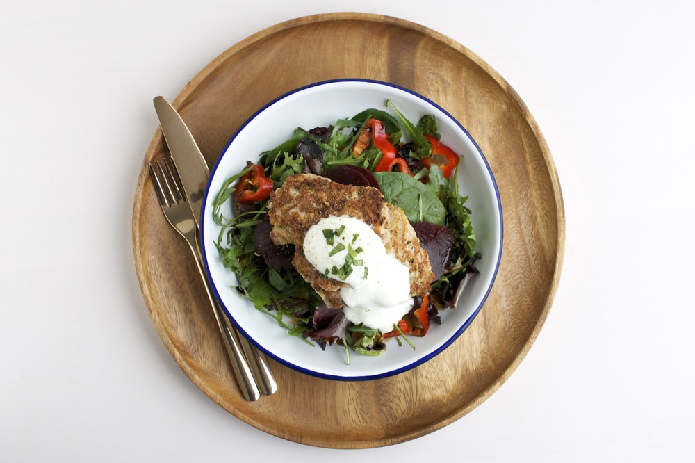 Chicken mince burgers {recipe here} with salad & greek yoghurt.