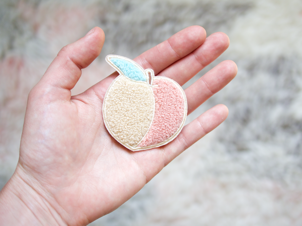 onr. shop Feeling Peachy chenille patch