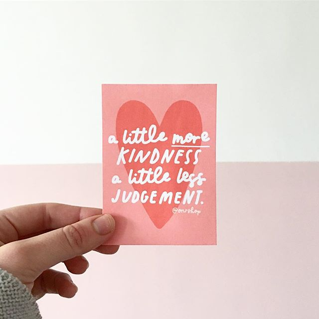 Happy #worldkindnessday! Here's a little reminder, not just for today but every day 💘 who's the kindest person you know? I've tagged a couple of kind souls I adore!